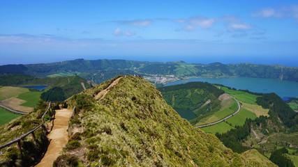 Aussicht vom Miradouro da Boca do Inferno über Sete Cidades, Azoren