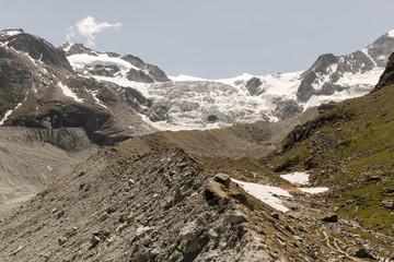 Vue sur le glacier du Moiry en Suisse