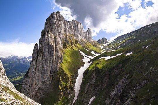 Kreuzberge, mountain range on the eastern edge of the Alpsteingebirge mountains, in the back Mt. Mutschen, left the Rheintal valley, Canton Appenzell Innerrhoden, Switzerland, Europe