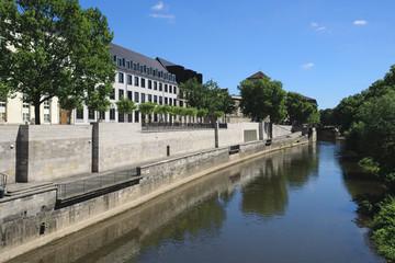 Hannover - Uferpromenade an der Leine, Deutschland