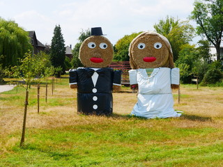 Straw dolls as bride and groom