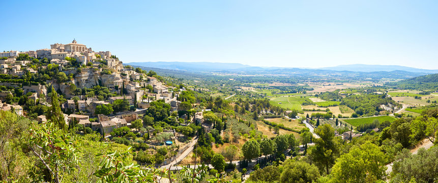 View to the village of Gordes. Vaucluse, Provence-Alpes-Cote d'A