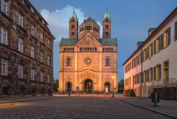 Dom in Speyer bei Nacht