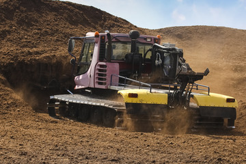 Special machine for peat extraction