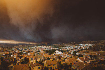 California wildfire threatens a residential area
