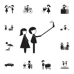selfie couple in love icon. Detailed set of Family icons. Premium quality graphic design sign. One of the collection icons for websites, web design, mobile app