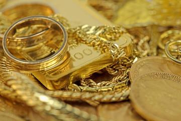 Gold in Barren,Münzen und Schmuck