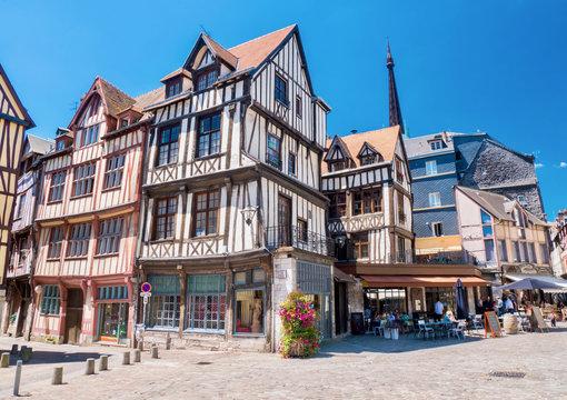 Maison typique à colombages à Rouen, Normandie