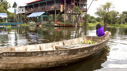 TONLE SAP LAKE. Local people