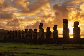 モアイ イースター島 アフ・トンガリキ 朝日 サンライズ Afu Tongariki Rapa Nui Isla de Pascua Easter island