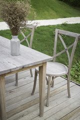Available restaurant seat in outdoor garden