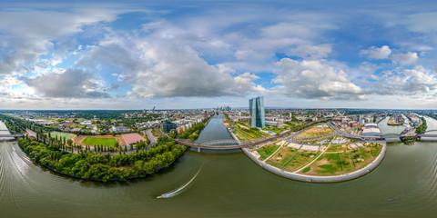360° Luftbildpanorama Frankfurt am Main (Ost)