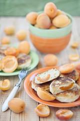 Quark pancakes with apricots