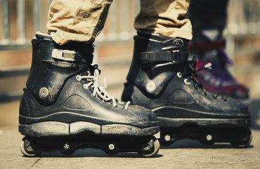 Aggressive inline skates for extreme skating in park