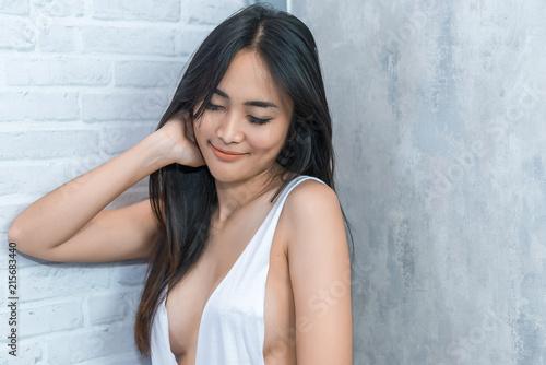 Dating profile headlines that attract men