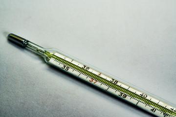 Isolated mercury-based thermometer