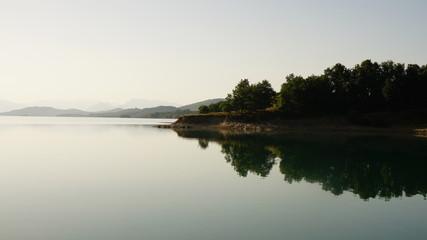 still ruht der Plastiras-See