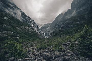 Fotomurales - Rainy Glacier Landscape