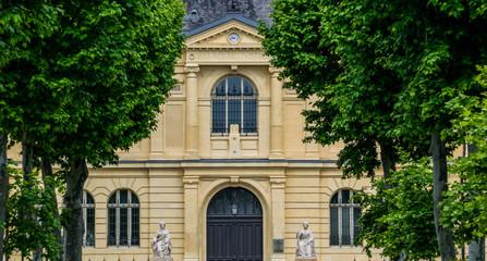 Wall Mural - Auch, Gers, le palais de justice;