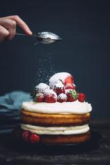 strawberrye plum cake