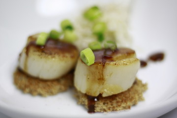 King Scallops with a Honey Glaze Sauce