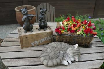 庭 猫 花壇 コテージ 置物 花 エクステリア
