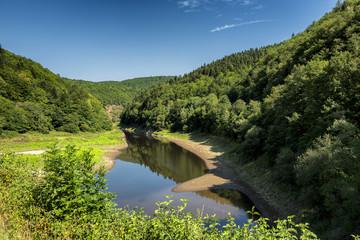 la Dordogne entre la Correze et le Puy de Dôme