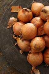 preparing raw onions