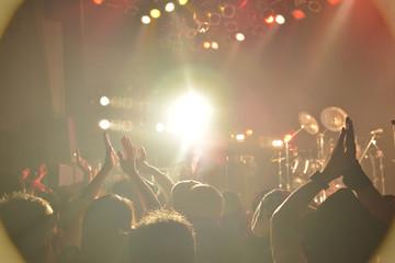 Live006