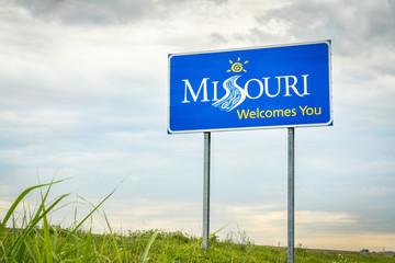 Stores à enrouleur Etats-Unis Missouri Welcomes You roadside sign
