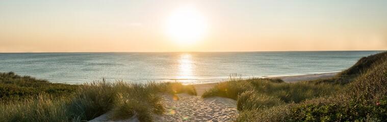 In de dag Noordzee Sonnenuntergang am Strand auf Sylt