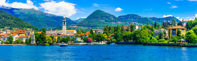 Foto auf Acrylglas See / Weiher Scenic lake Lago Maggiore. view of charming town Pallanza. North of Italy