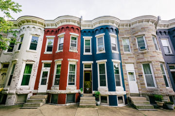 Wall Mural - Colorful row houses in Hampden, Baltimore, Maryland