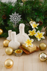 Photo sur Aluminium Spa Christmas spa with Composition of spa treatment and wooden background