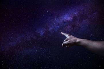 Zeigen auf Milchstraße