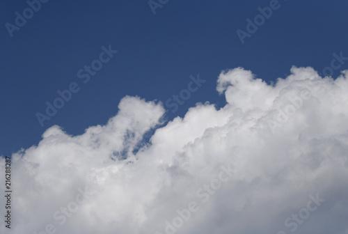 青空と雲「空想・雲のモンスター...