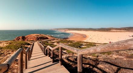 escalera de descenso a playas