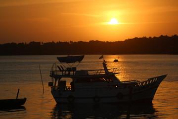 Pôr-do-sol na cidade balneária de Sao José de Ribamar, região metropolitana de São Luis-Ma
