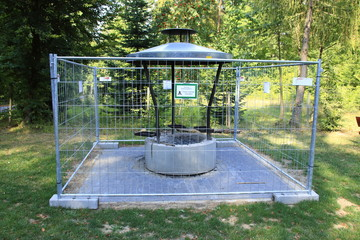 Grillstelle wurde wegen erhöhter Waldbrandgefahr durch die Gemeinde gesperrt. Die Grillstelle liegt an der Waldhütte in der Gemeinde Weissach im Ortsteil Flacht.