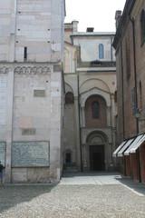 Particolare Duomo di Modena daal'Esterno