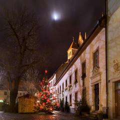 Notturno Natalizio, con albero, casetta in legno e luna