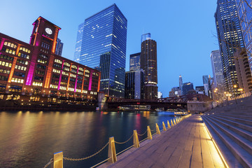 Fototapete - Colorful architecture of Chicago at night