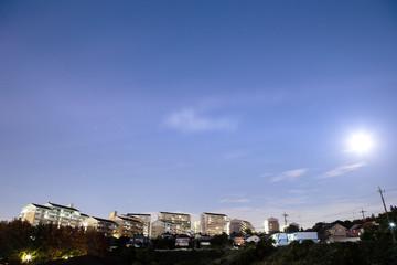 集合住宅、横浜・十日市場