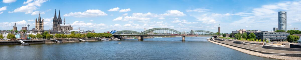 Köln Skyline Panorama als Hintergrund