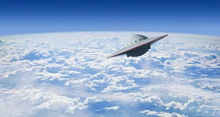 Door stickers UFO Fliegende Untertasse über Wolken