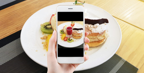 Taking food photo, dessert photography by smart phone, Banana crape roll with ice cream