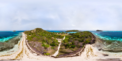 Wall Mural - 360 degree panorama of Tobago cays
