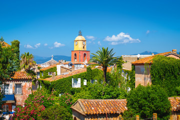 Fotomurales - St Tropez, French Riviera. Old town with bell tower.
