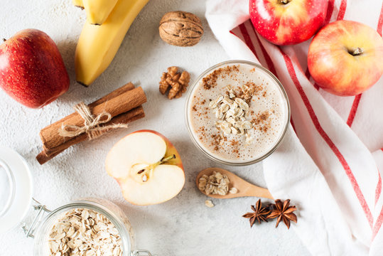 Apple and banana oatmeal smoothie raw helthy breakfast