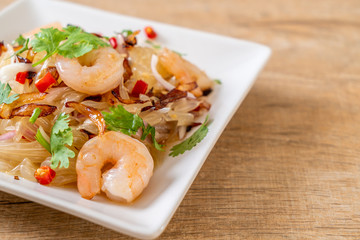 pamelo spicy salad with shrimps or prawns